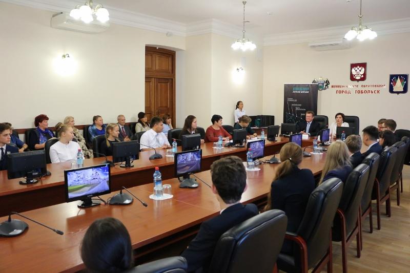СИБУР выступил партнером организации смены для одаренных школьников в «Артеке»